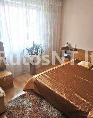 Parduodamas 2- jų kambarių su holu butas Gargžduose, P. Cvirkos gatvėje-1