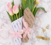 Gėlės dėžutėje, gėlių puokštės su pristatymu Vilniuje-0