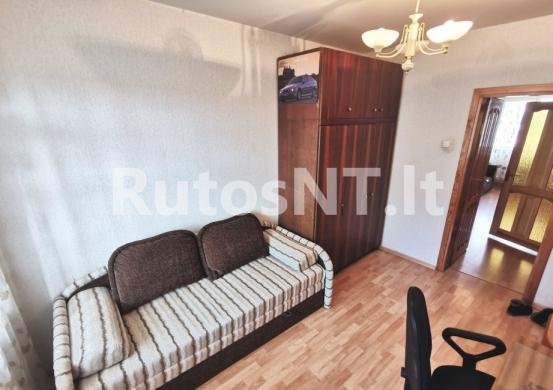 Parduodamas 3- jų kambarių su holu butas Jūrininkų prospekte-1