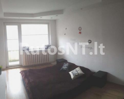 Parduodamas 4- rių kambarių butas Gargžduose, J.Janonio gatvėje-1