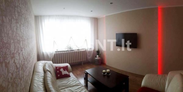 Parduodamas 4- rių kambarių butas Gargžduose, J.Janonio gatvėje-2
