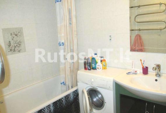 Parduodamas 2- jų kambarių su holu butas Vyturio gatvėje-4