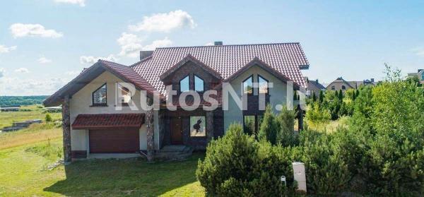 Parduodamas namas Jakuose-1