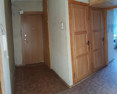 Parduodamas trijų kambarių butas-2