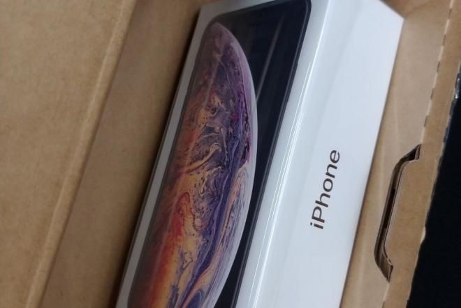 Apple iPhone Xs Max-0