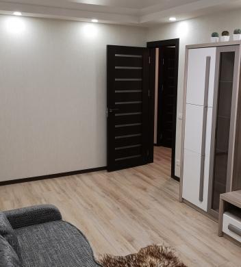 Savininkas parduoda butą-6
