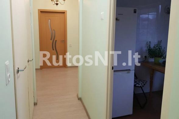 Parduodamas vieno kambario su holu butas Vyturio gatvėje-1