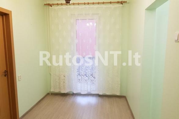 Parduodamas vieno kambario su holu butas Vyturio gatvėje-5