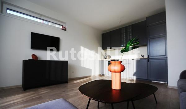 Parduodamas 2- jų kambarių butas Birutės gatvėje-0