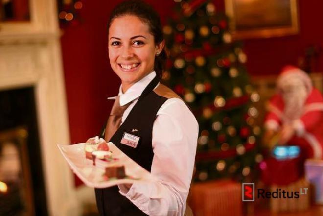 543 Padavėjai (-os) viešbučio restorane (Šventiniu laikotarpiu)-0