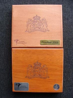 Nyderlandų 2005 ir 2010 metų eurų rinkiniai-1