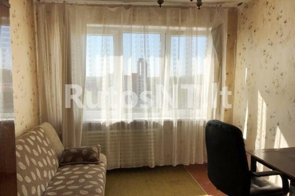 Parduodamas 3- jų kambarių butas Nidos gatvėje-0