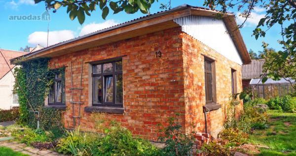 Biržų m., A. Sabaliausko g., mūrinis namas-1