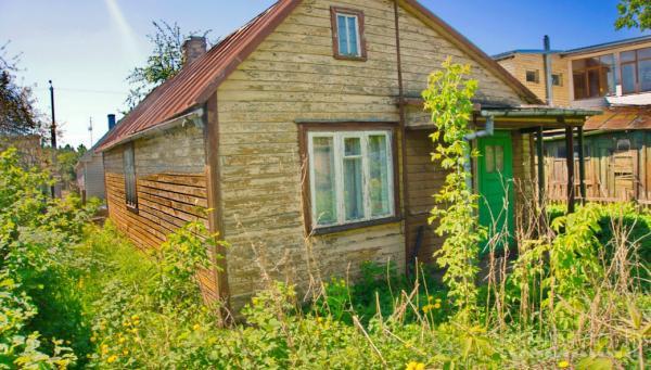 Rastinis namelis be patogumu netoli Nevėžio upės, sporto rūmų-1