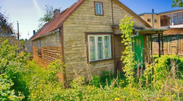 Rastinis namelis be patogumu netoli Nevėžio upės, sporto rūmų-2