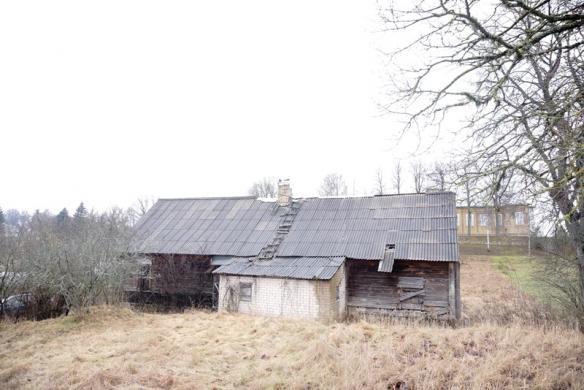 Namas Kuktiškių mstl. Utenos r.-6