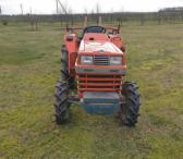 Parduodamas nedidelis traktorius Kubota-0