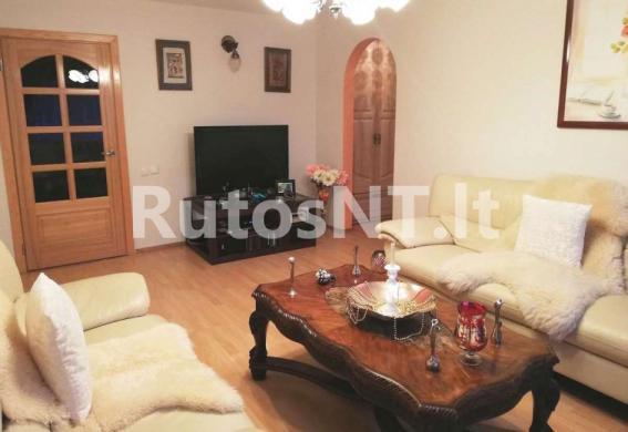Parduodamas 3-jų kambarių butas Debreceno gatvėje-1