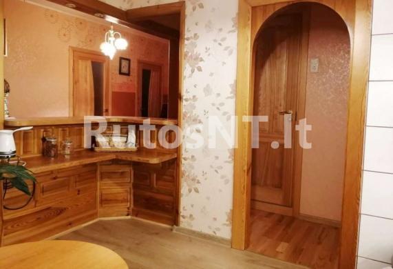 Parduodamas 3-jų kambarių su holu butas Kuncų gatvėje-1