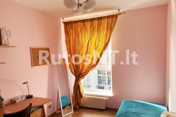 Parduodamas 3-jų kambarių butas Žolynų gatvėje-4