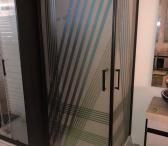 Parduodu stiklinę dušo kabiną Vilniuje. Pristatau ir į kitus miestus už papildomą mokestį.  +37062632019 prekybanamams@gmail.com  Dušai, dušo kabina, dušo pertvara, dusas, duso kabina, duso sienutė, dušo sienelė, dušo sienutė, duso pertvara, dušo modulis,-0