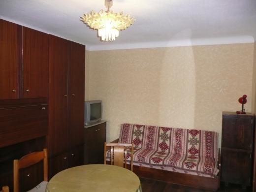 Išnuomojamas 2 kambarių butas Šilainiuose Šarkuvos g. prie turgaus ir p/c Maxima - tvarkingam vienam asmeniui arba porai nuo 04.18 dienos-0