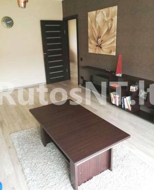 Parduodamas 3-jų kambarių su holu butas Gargžduose, Dariaus ir Girėno gatvėje-0