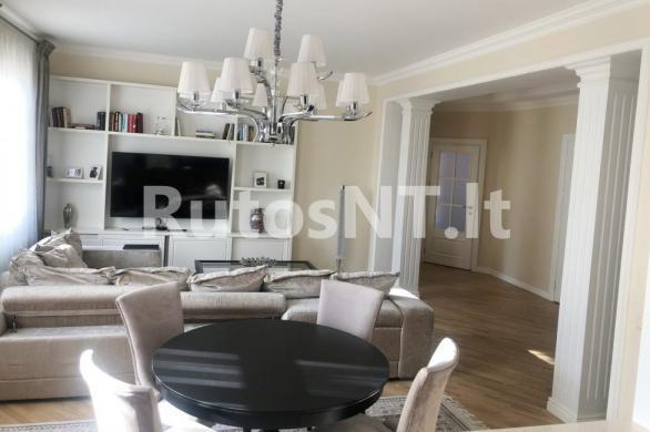 Parduodamas 4-rių kambarių butas J. Karoso gatvėje-2