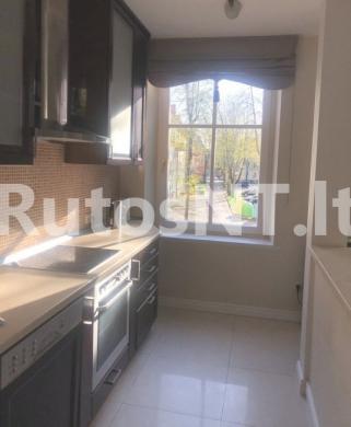 Parduodamas 4-rių kambarių butas J. Karoso gatvėje-3