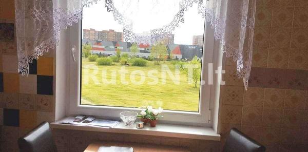 Parduodamas vieno kambario su holu butas Varpų gatvėje-1