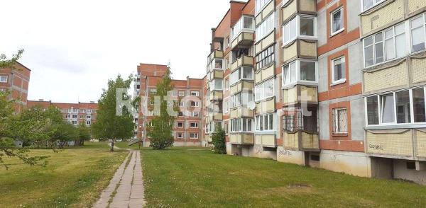 Parduodamas vieno kambario su holu butas Varpų gatvėje-5