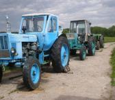 Parduodami trys traktoriai-0