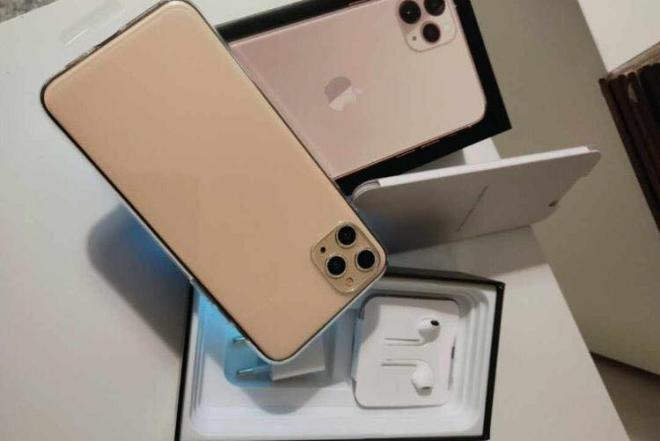Selling Sealed Apple iPhone 11 Pro iPhone X (Whatsapp:+13072969231)-0