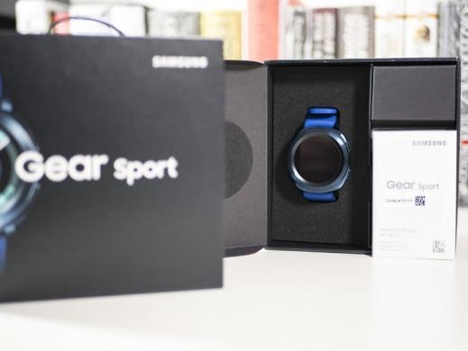 Labai geros bukles ismanus laikrodis Samsung Gear Sport, kaina- 99.99e. Su komplektu.-0