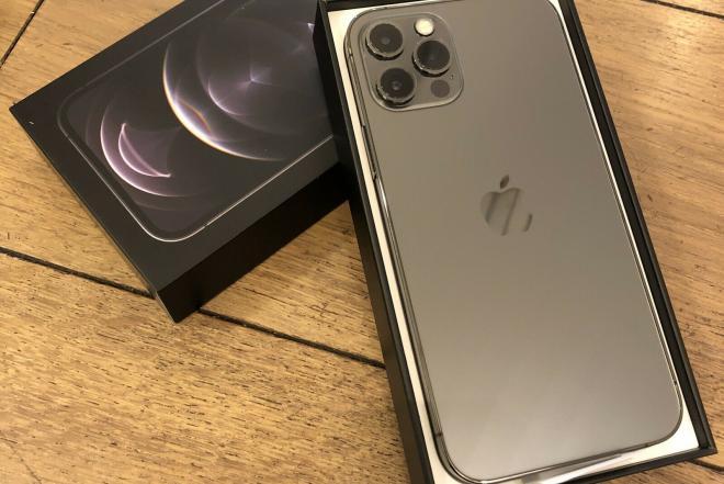 Apple iphone 12 pro/11 pro max  WhatsApp: +15812055491-0