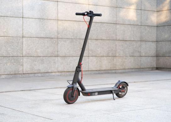 Xiaomi Mi electric scooter M365 Pro, elektrinis paspirtukas su garantija, tvarkingas, galingas, kaina 399.99e. Yra galimybė atvežti už papildomą kainą.-0
