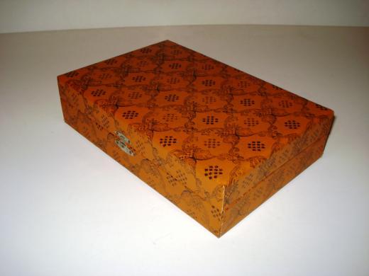 Antikvarinė dėžutė-0