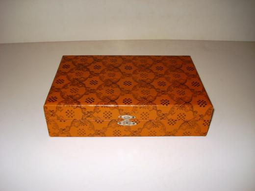 Antikvarinė dėžutė-1