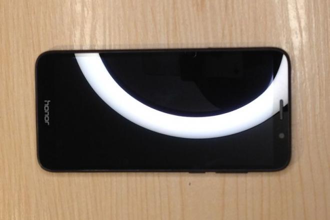 Huawei Honor 7S naudotas telefonas ir USB laidas-0