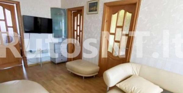 Parduodamas 3-jų kambarių su holu butas Gargžduose, Dariaus ir Girėno g.-2