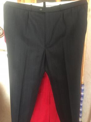Parduodu vyrišką kostiumą-0