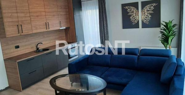Parduodamas 3-jų kambarių butas Paryžiaus Komunos g.-1