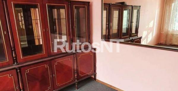 Parduodamas 4-rių kambarių su holu butas Laukininkų g.-1