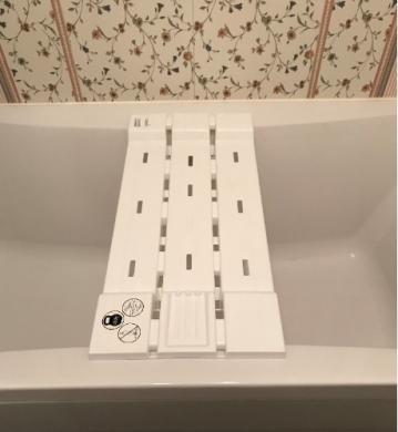 Suoliukas atsisesti ant vonios-1