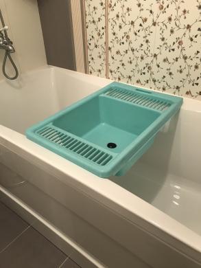 Suoliukas atsisesti ant vonios-3