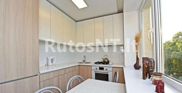 Parduodamas 2-jų kambarių butas Vytauto g.-2