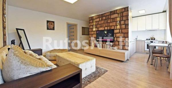 Parduodamas 2-jų kambarių butas Vytauto g.-1