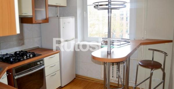Parduodamas 3-jų kambarių butas Birutės gatvėje-0