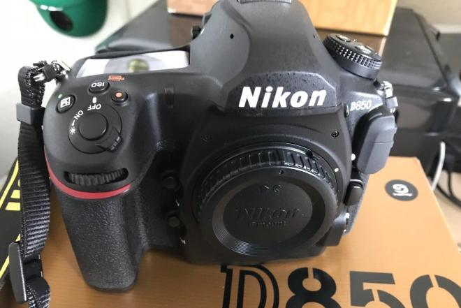 Nikon D850  Whatsapp +18183700438-0