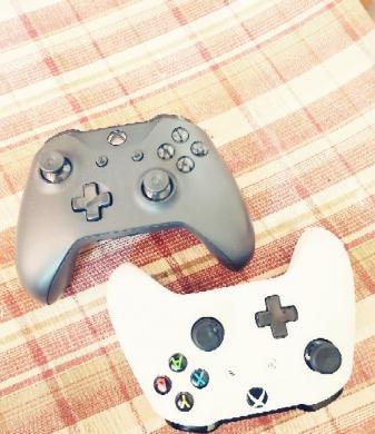 Xbox one x 1Tb parduodu.-3